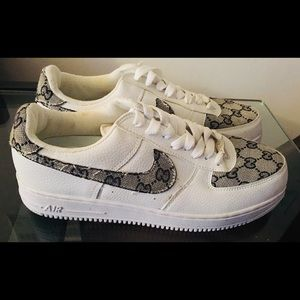 Nike women's AE1  shoes,  never worn